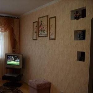 Сдам на сутки 1-ком. квартиру в самом Центре Баранович